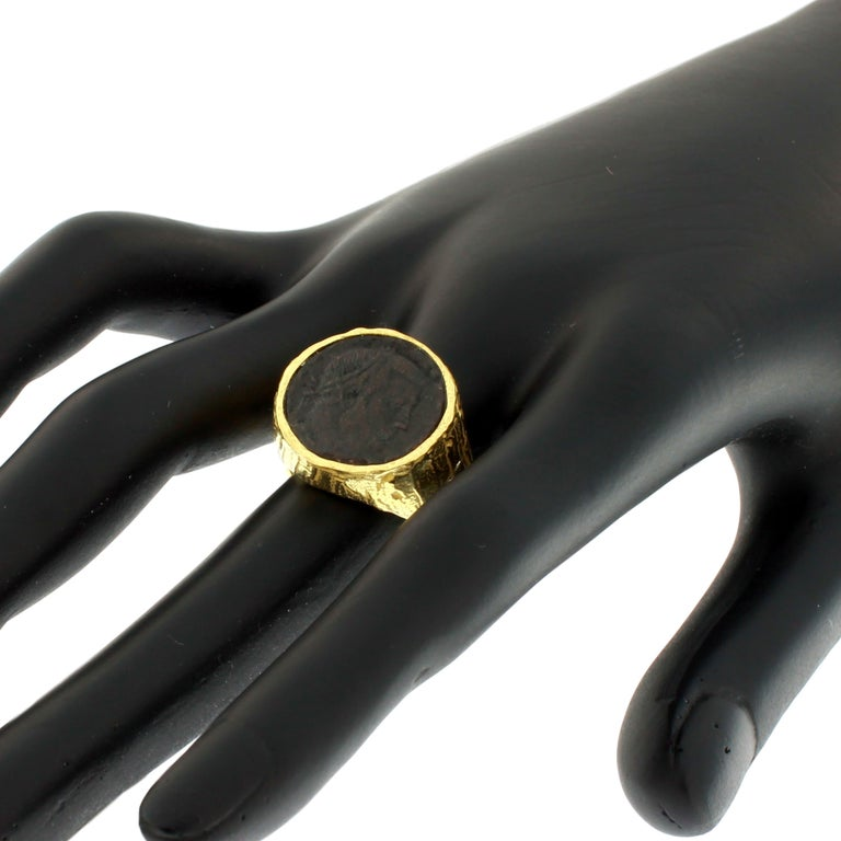 Sacchi Ancient Roman Coin Ring 18 Karat Yellow Gold Monete Signet Ring For Sale 1