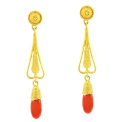 Sacchi Coral Gemstone Dangle Earrings 18 Karat Satin Yellow Gold Roman Style