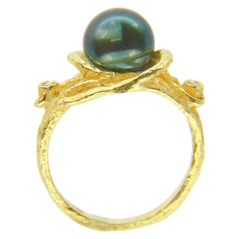 Sacchi Tahitian Black Pearl and Diamonds 18 Karat Yellow Gold Cocktail Ring In New Condition For Sale In Rome, IT