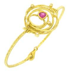 Sacchi Heart Ruby and Diamonds Gemstone 18 Karat Yellow Gold Modern Bracelet