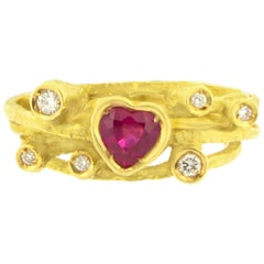 Sacchi Heart Ruby and Diamonds Gemstone Cocktail Ring 18 Karat Yellow Gold