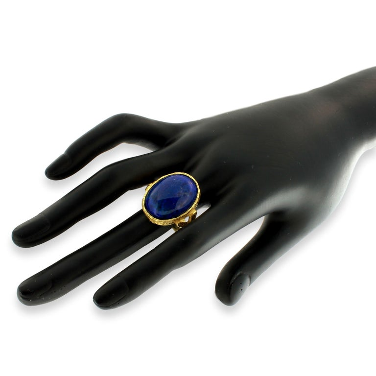 Sacchi Lapis Lazuli Roman Style Ring 18 Karat Satin Yellow Gold In New Condition For Sale In Rome, IT