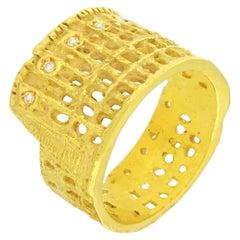 Sacchi Römischer Kolosseum Ring 18 Karat Gelb Gold und Diamant Edelstein