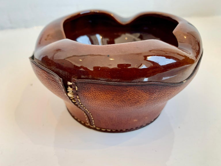 Saddle Leather and Ceramic Catchall / Ashtray by Longchamp In Good Condition For Sale In Los Angeles, CA