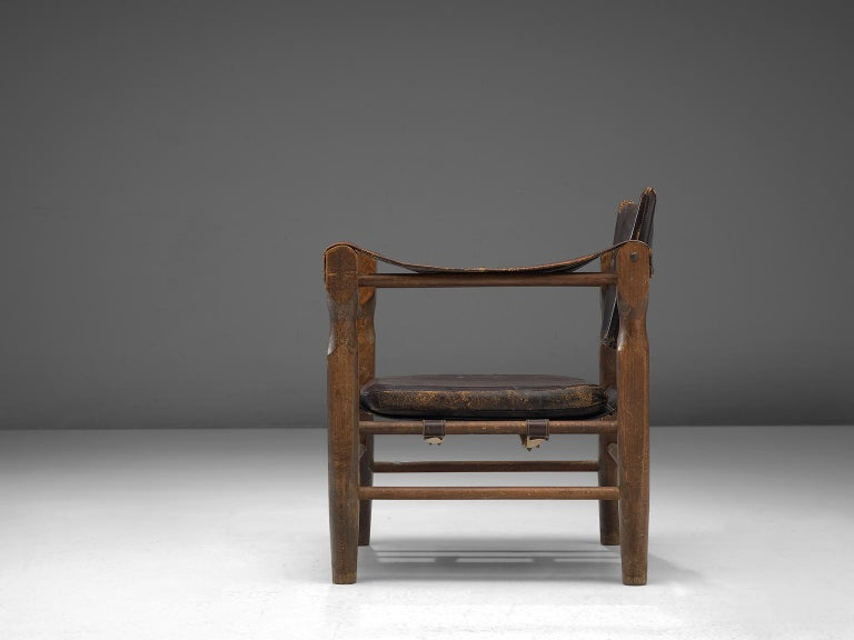 European Safari Chair in Patinated Brown Leather and Oak, 1940s For Sale