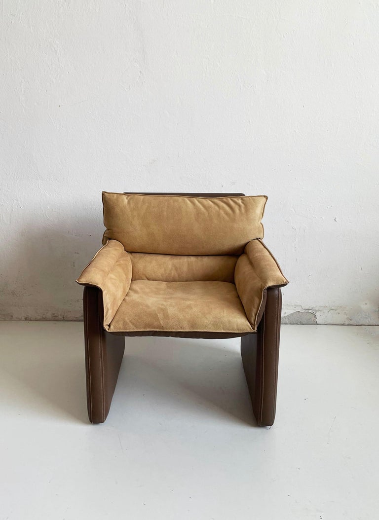 Vintage dinner or side chair 'Safari' from the furniture system 'Bogo' designed by the Italian architect and designer Carlo Bartoli for the high-end furniture company Rossi Di Albizzate  Produced in the late 1970s and in the 1980s  Bogo dinner
