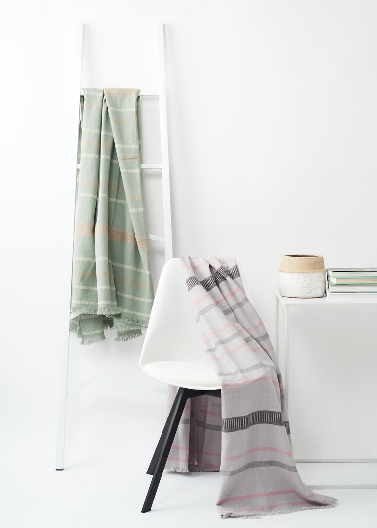 Sage Handloom Throw / Blanket In Organic Cotton In Soft Neutral Pastel Shades For Sale 11