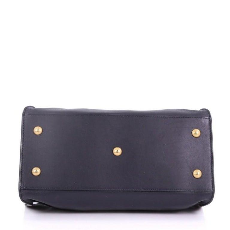 Women's  Saint Laurent Classic Y Cabas Leather Small For Sale