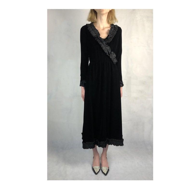 Saint Laurent collectable black iridescent velvet evening dress. Circa 1970s For Sale 3