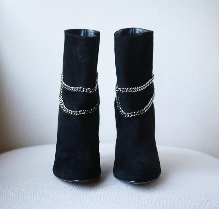 Black Saint Laurent Debbie 100 Double-Chain Suede Ankle Boots For Sale