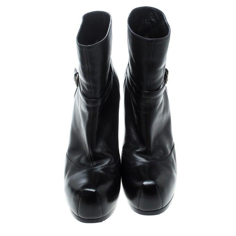 Saint Laurent Paris Black Leather Platform Ankle Boots Size 40.5 In Good Condition For Sale In Dubai, Al Qouz 2