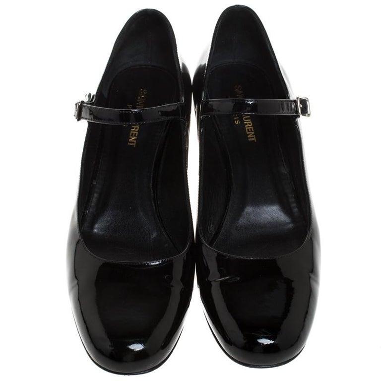 Saint Laurent Paris Black Patent Leather  Studded Block Heel Pumps Size 40 In Good Condition For Sale In Dubai, Al Qouz 2