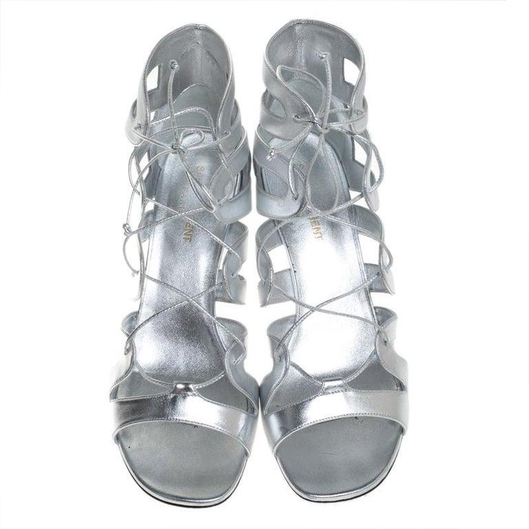 Saint Laurent Paris Silver Leather Gladiator Ankle Wrap Sandals Size 41 In Good Condition For Sale In Dubai, Al Qouz 2