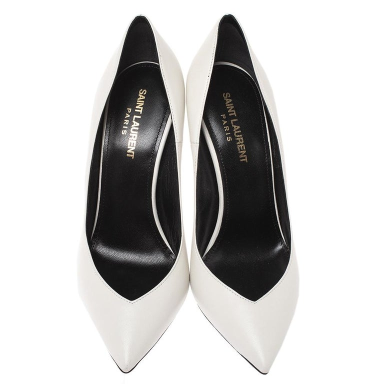Saint Laurent White Leather Pointed Toe Pumps Size 38 In New Condition For Sale In Dubai, Al Qouz 2