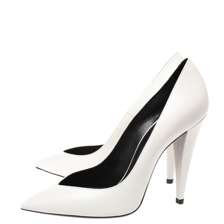 Women's Saint Laurent White Leather Pointed Toe Pumps Size 38 For Sale