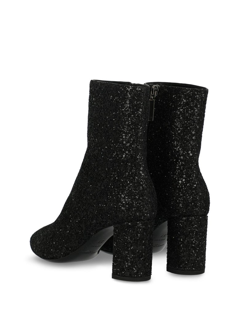Saint Laurent Women's Ankle Boots Black Rubber Size IT 37 In New Condition For Sale In Milan, IT