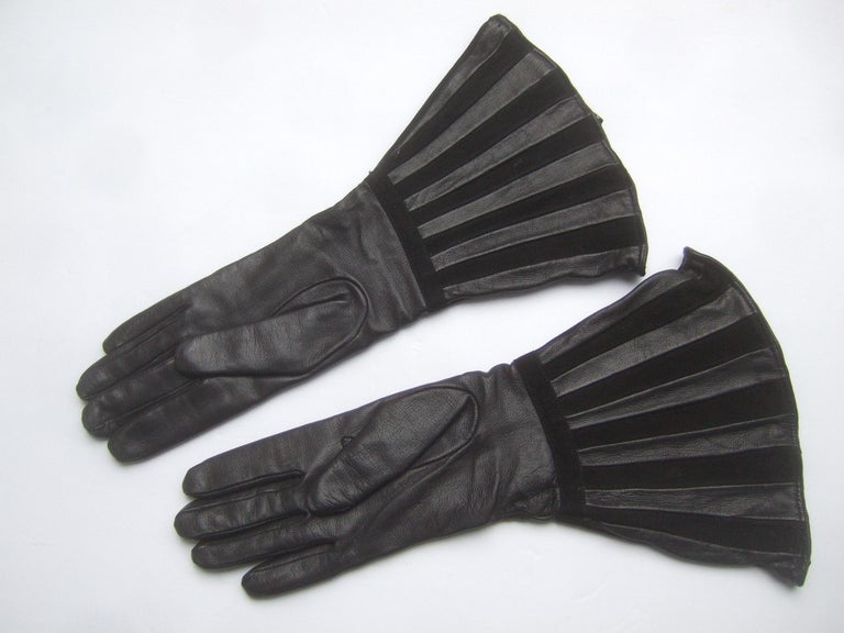 Saks Fifth Avenue Chic Avant-Garde Black Leather & Suede Trim Gloves c 1980s For Sale 6