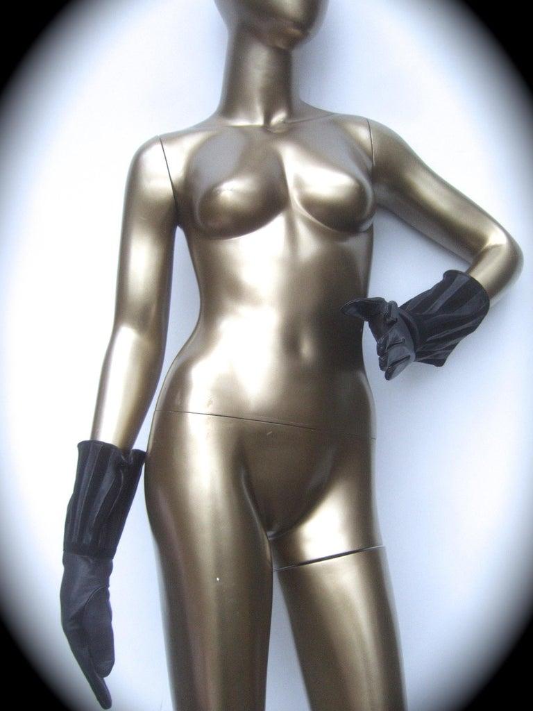Saks Fifth Avenue Chic Avant-Garde Black Leather & Suede Trim Gloves c 1980s For Sale 7