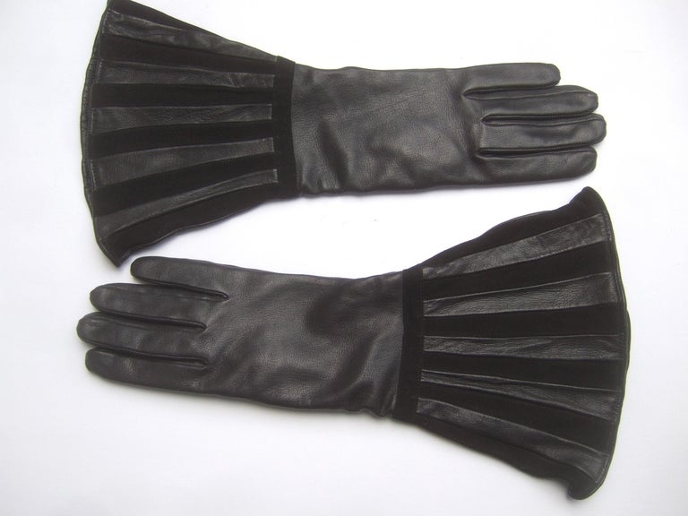 Saks Fifth Avenue Chic Avant-Garde Black Leather & Suede Trim Gloves c 1980s For Sale 1