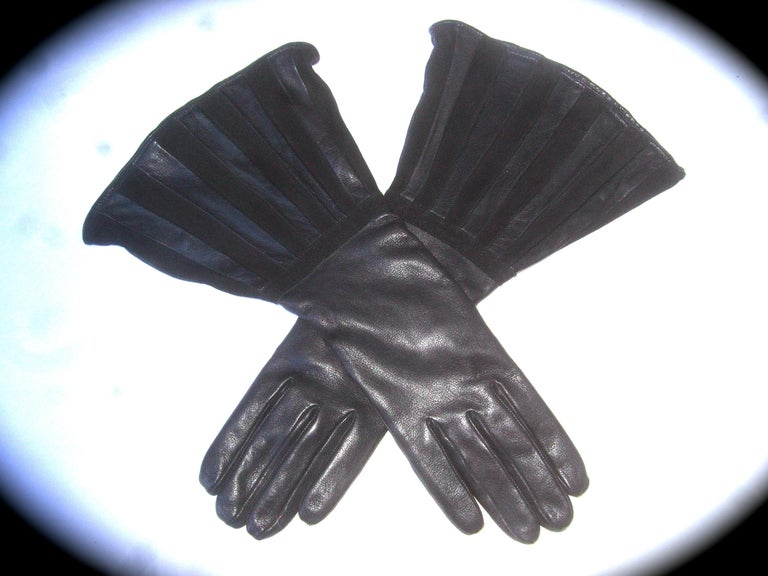 Saks Fifth Avenue Chic Avant-Garde Black Leather & Suede Trim Gloves c 1980s For Sale 2