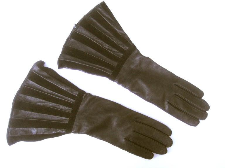 Saks Fifth Avenue Chic Avant-Garde Black Leather & Suede Trim Gloves c 1980s For Sale 3