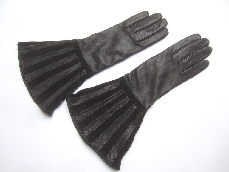 Saks Fifth Avenue Chic Avant-Garde Black Leather & Suede Trim Gloves c 1980s For Sale 5