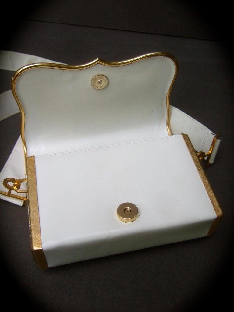 Saks Fifth Avenue Italian Gilt Metal Eagle Emblem Leather Shoulder Bag c 1970s For Sale 10