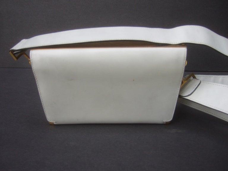 Saks Fifth Avenue Italian Gilt Metal Eagle Emblem Leather Shoulder Bag c 1970s For Sale 11