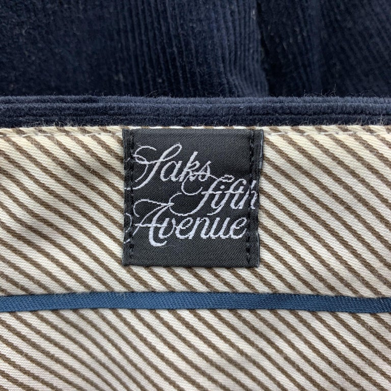 SAKS FIFTH AVENUE Size 36 Navy Corduroy Zip Fly Casual Pants In Good Condition For Sale In San Francisco, CA
