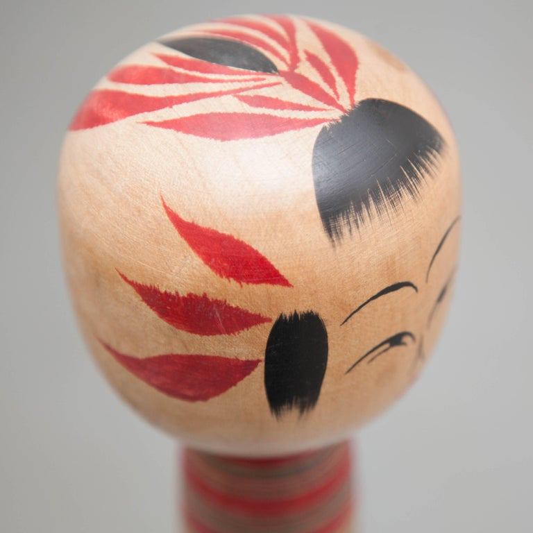 Sakunami Japanese Traditional Wooden Kokeshi Doll In Good Condition For Sale In Barcelona, Barcelona