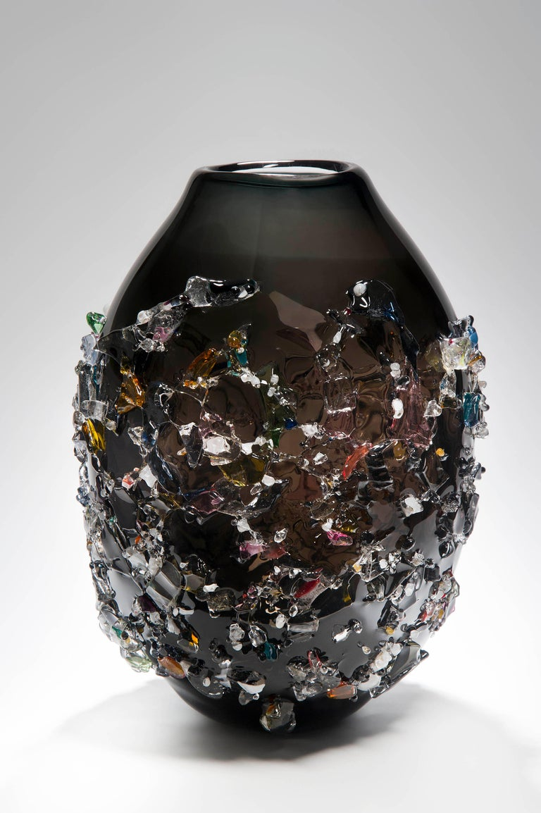 Sakura VIV, a unique glass vase in black with mixed colours by Maarten Vrolijk For Sale 2
