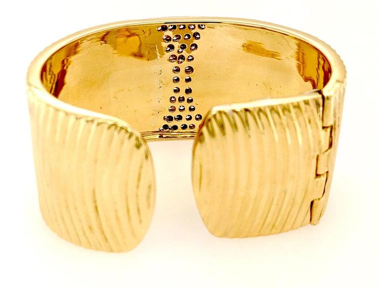 Sal Praschnik 18 Karat Yellow Gold Diamond Cuff Bracelet In New Condition For Sale In Greenville, DE