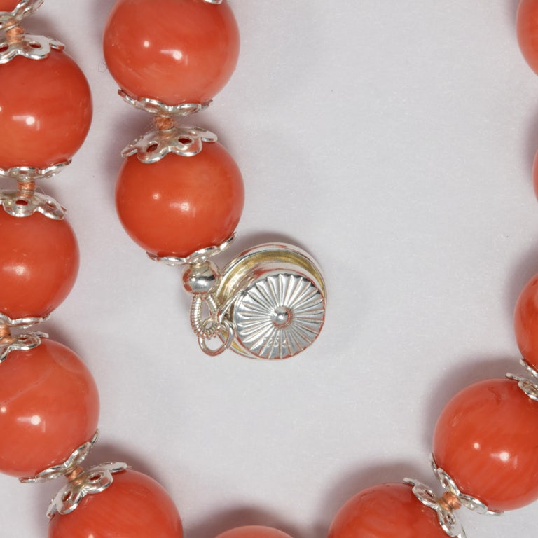 Salmon Coral Bead Knotted String Silver Accent Necklace, 50 cm, Sterling Silver For Sale 2