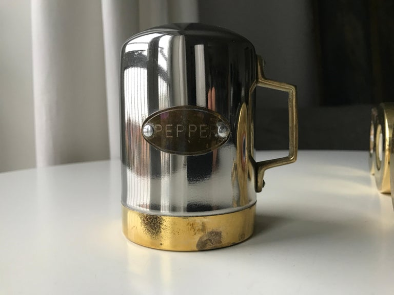 Salt and Pepper Space Age Vintage Diner Set, 1960s Chrome and Brass For Sale 5