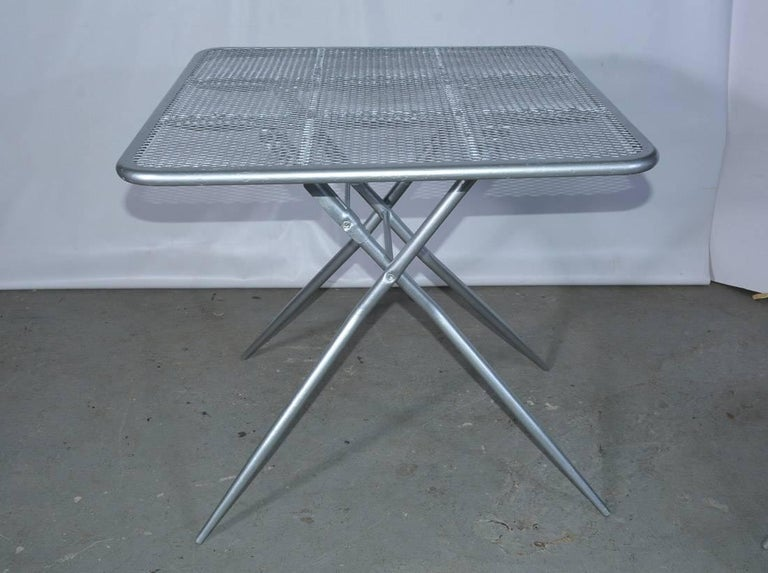 Painted Salterini Mid-Century Modern Folding Metal Patio or Garden Table and Four Chairs For Sale