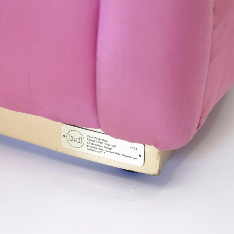 Salvador Dali Surrealist 'Vis-à-vis De Gala' Pink Upholstered Sofa, nº 54 For Sale 11