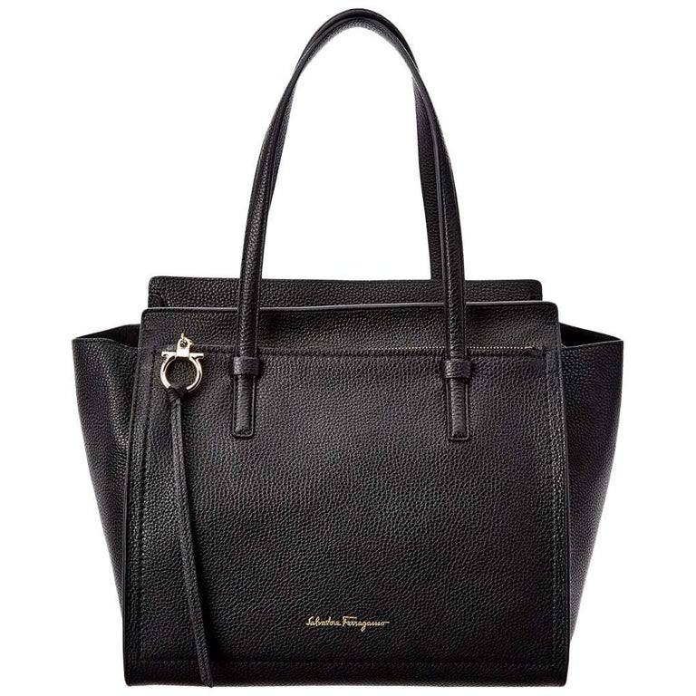 d241d7051c75 Salvatore Ferragamo Amy Leather Black Tote Ladies Bag 21F215612616 For Sale