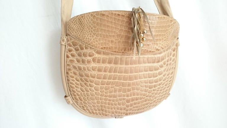 Salvatore Ferragamo Beige Crocodile Shoulder Bag.  In Excellent Condition For Sale In Somo (Santander), ES