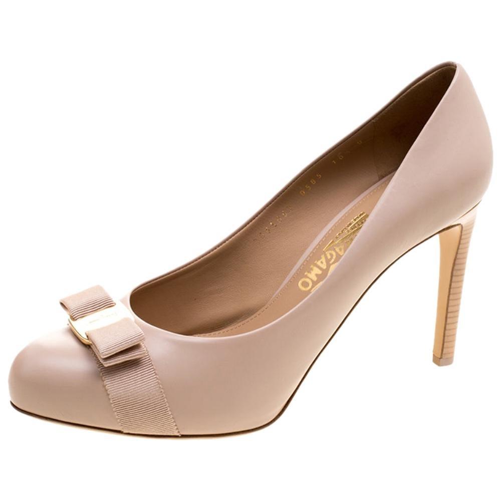395b75800abd0 Vintage Salvatore Ferragamo: Shoes, Bags & More - 589 For Sale at ...