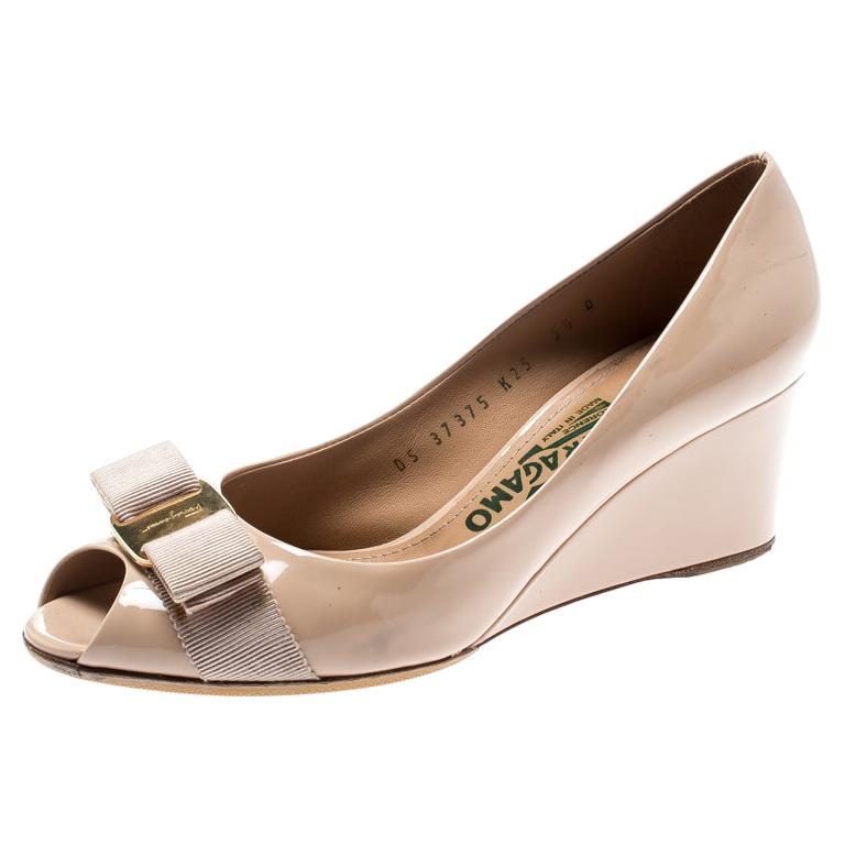 8181ccc4c945f Salvatore Ferragamo Beige Patent Leather Sissi Bow Peep Toe Wedge Pumps  Size 36