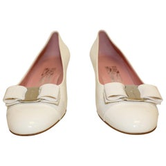 Salvatore Ferragamo Bisque Vara Bow Pumps W/ Kitten Heel Shoes