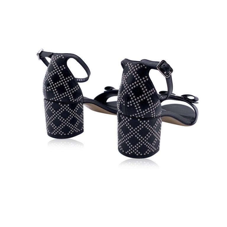 Salvatore Ferragamo Leather Gavina Qs Heeled Sandals US 8.5C EU 39 In New Condition For Sale In Rome, Rome