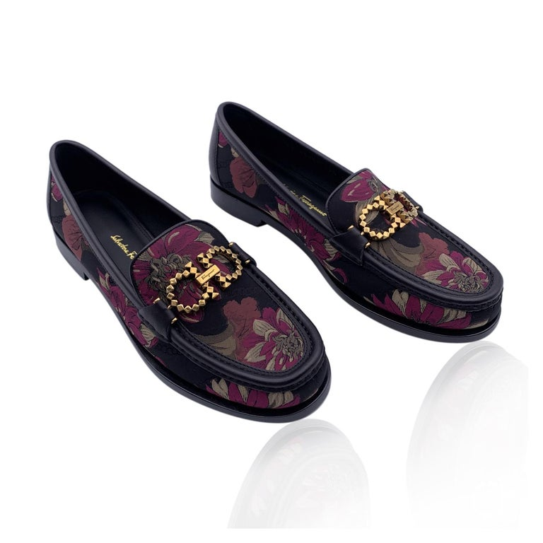 Black Salvatore Ferragamo Leather Rolo T Loafers Moccassins Size 10.5C 41C For Sale