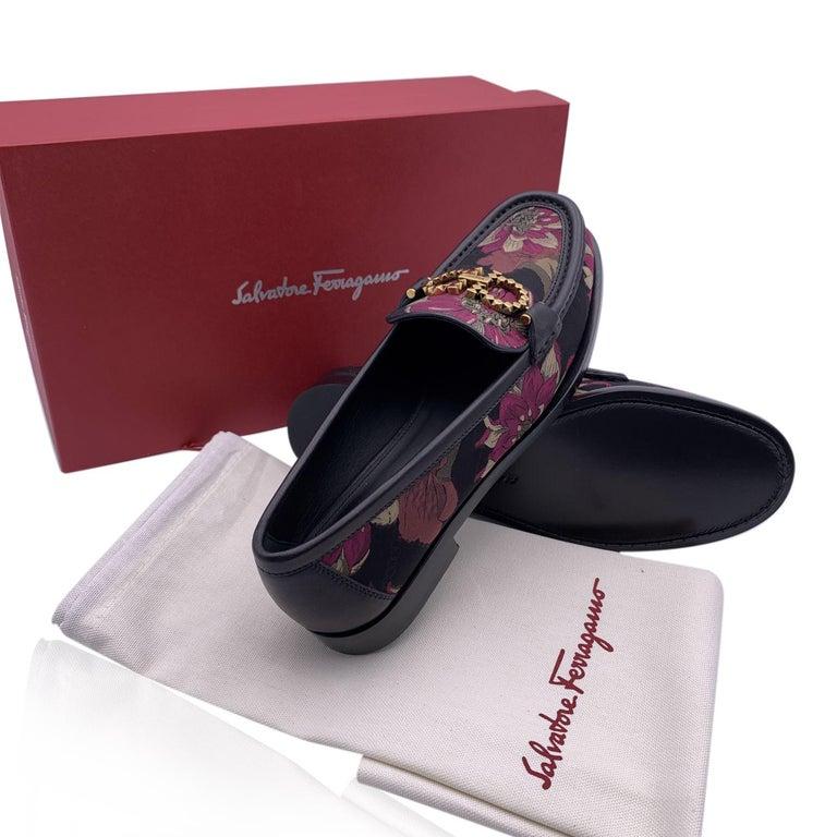 Women's Salvatore Ferragamo Leather Rolo T Loafers Moccassins Size 10.5C 41C For Sale