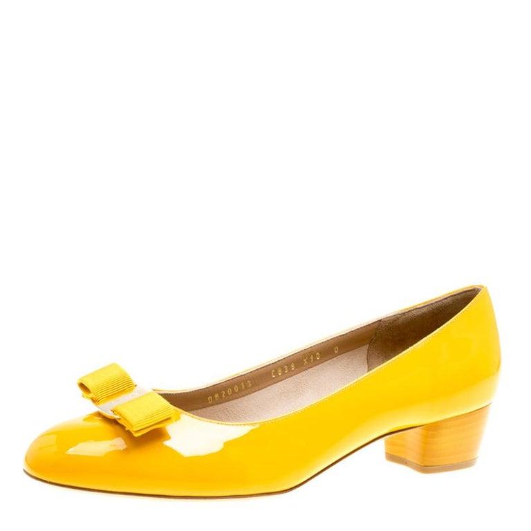 a0b95d35235 Salvatore Ferragamo Mustard Patent Leather Vara Bow Block Heel Pumps Size  40.5 For Sale