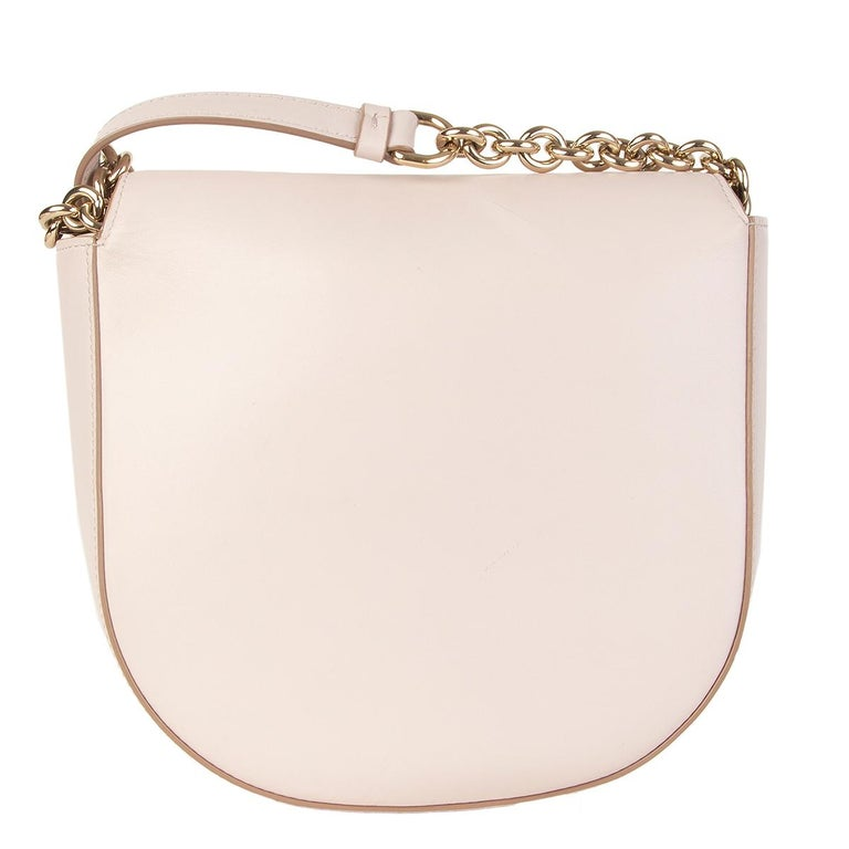 SALVATORE FERRAGAMO pink leather VELA Shoulder Bag In Excellent Condition For Sale In Zürich, CH