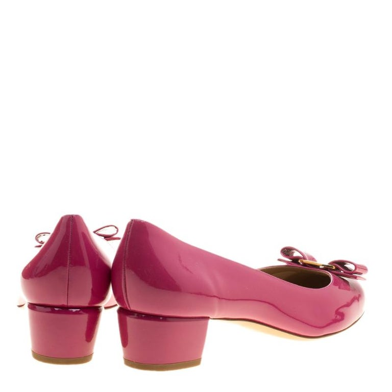 dad8a9d27f Salvatore Ferragamo Pink Patent Leather Vara Bow Block Heel Pumps Size 41  In New Condition For