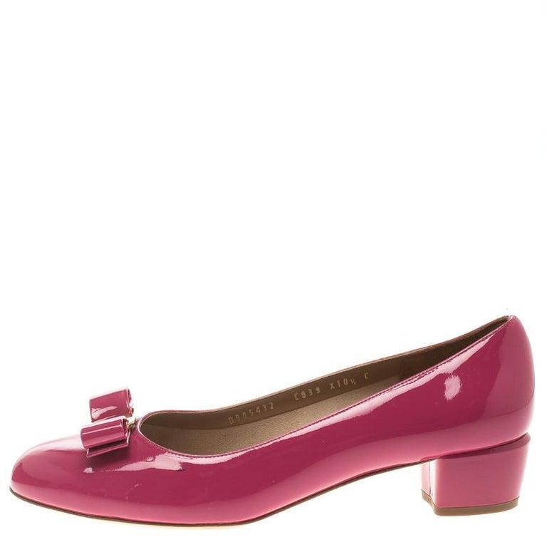 a0d05dfbd26e Salvatore Ferragamo Pink Patent Leather Vara Bow Block Heel Pumps Size 41  For Sale 1