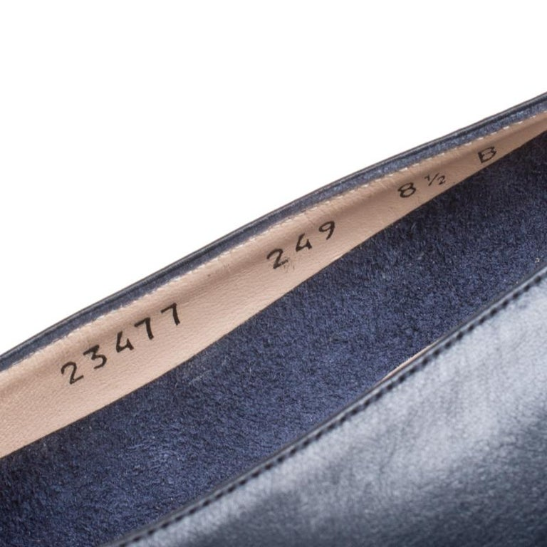 3dcb49be6215 Salvatore Ferragamo Royal Blue Leather Low Heel Pumps Size 39 For Sale 2