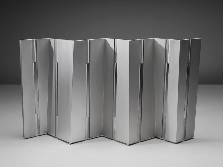 Salvatore Messina, sculpture, aluminum, Italy, 1960  Salvatore Messina tackled the question of movement and the concept of space through his metal sculptures. The three-dimensionality of this sculpture is evoked by the angled parts arranged together
